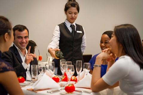 học lễ tân khách sạn - quản lý khách sạn