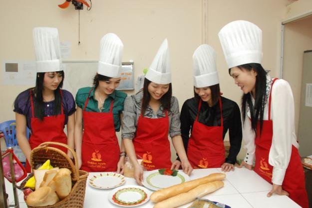 Trung tâm dạy nấu ăn Văn lang đào tạo nấu ăn uy tín