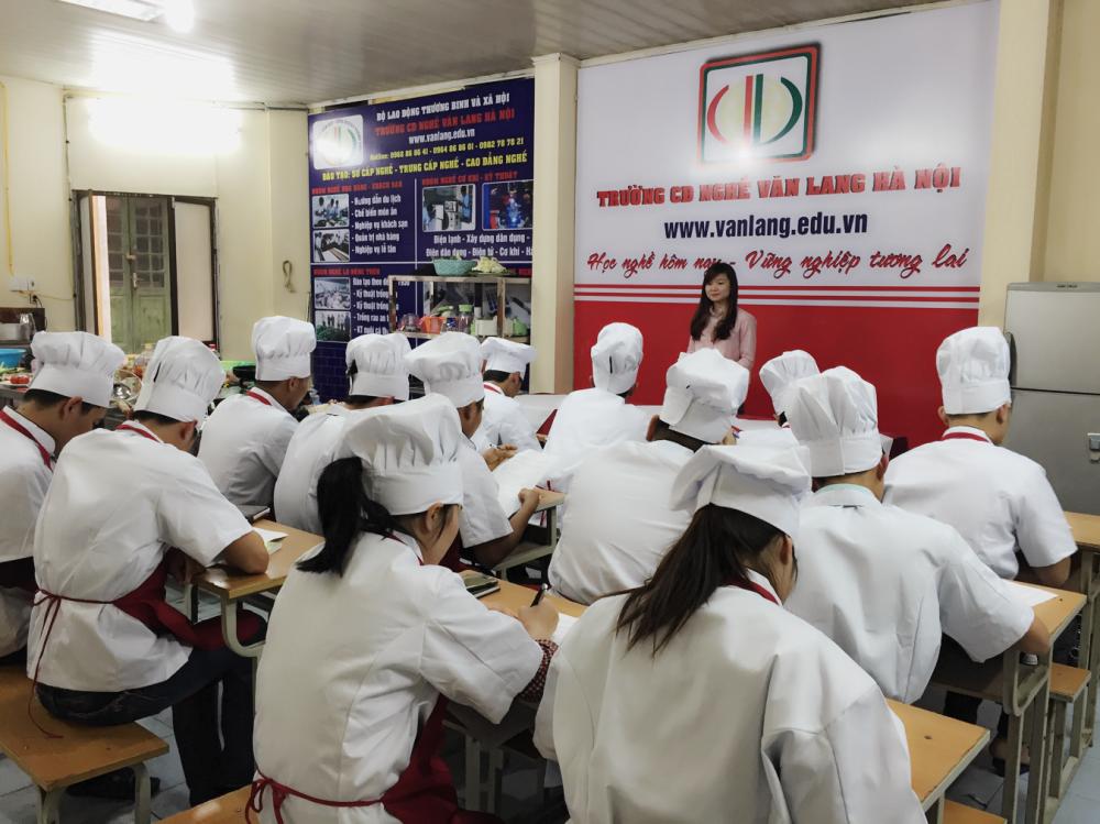 Học nấu ăn chuyên nghiệp – đào tạo bếp trưởng