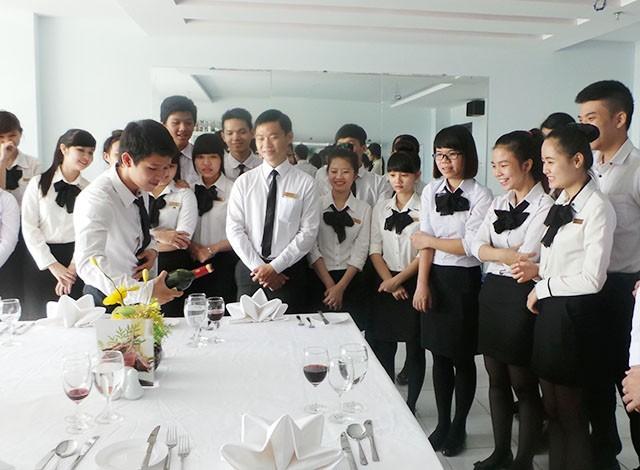 Họcnghiệp vụ lễ tânkhách sạn tại Hà Nội, TpHCM