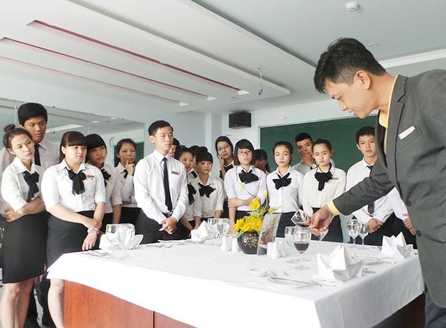 Đào tạo nghiệp vụ lễ tân khách sạn - Buồng phòng khách sạn