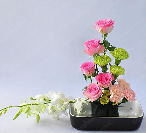 Lớp học dạy cắm hoa chuyên nghiệp ở Hà Nội